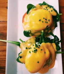 Eggs Benny at Butler's Pantry ~ Eat Stowe