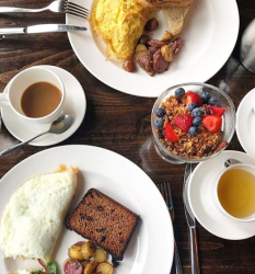 Brunch at Flannel at Topnotch Resort ~ Eat Stowe